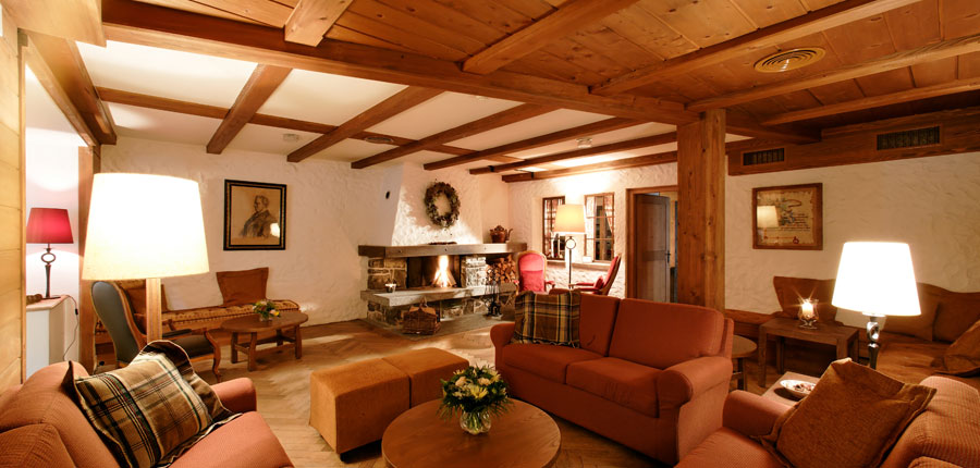 Switzerland_Wengen_Hotel-Alpenrose_Lounge.jpg
